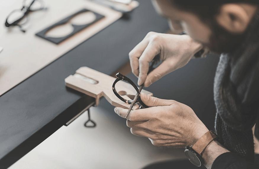 Eric Dulac, artisan lunetier